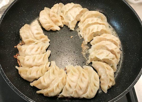 浜松餃子 ひろかね 冷凍餃子 お取り寄せ 肉巻き餃子